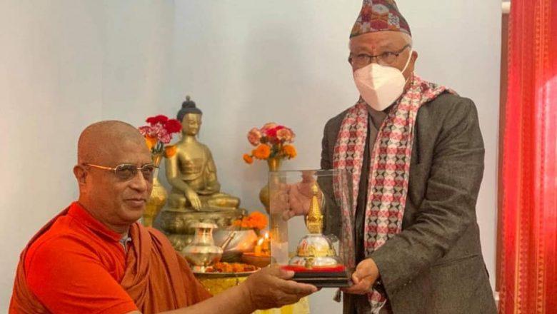 नव नियुक्त शहरी बिकास मन्त्रि श्रेष्ठलाई अखिल नेपाल भिक्षु महासंघद्धारा स्वागत, बधाई तथा शुभाशिस