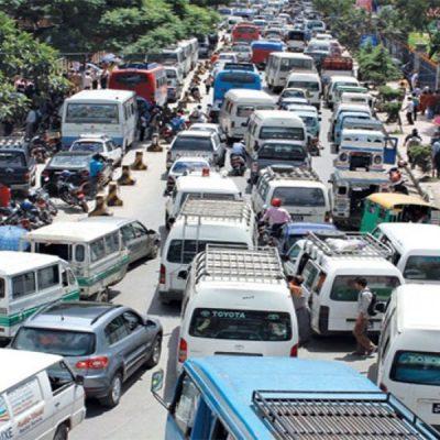 काठमाडौं उपत्यकामा दुई महीनापछि चल्न थाले सार्वजनिक बस