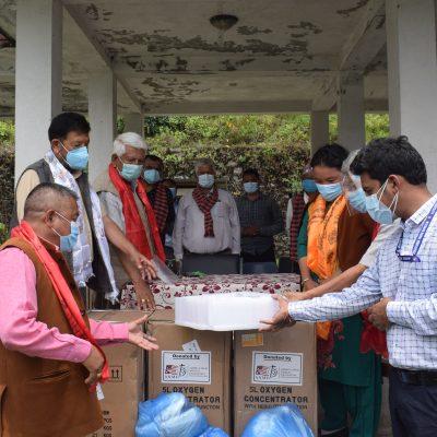 यशोदादेवी भगवानसिंह केसि मेमोरियल ट्रस्टद्धारा स्वास्थ्य सामाग्री हस्तान्तरण